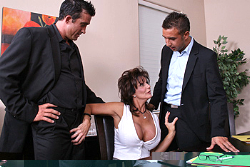 milfs like it bigDeauxma img